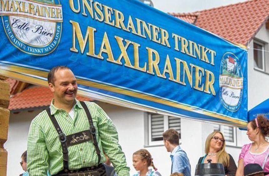 Umzugsimpressionen aus Beedenkirchen: Werbung fürs Oktoberfest, 30-jährige ...