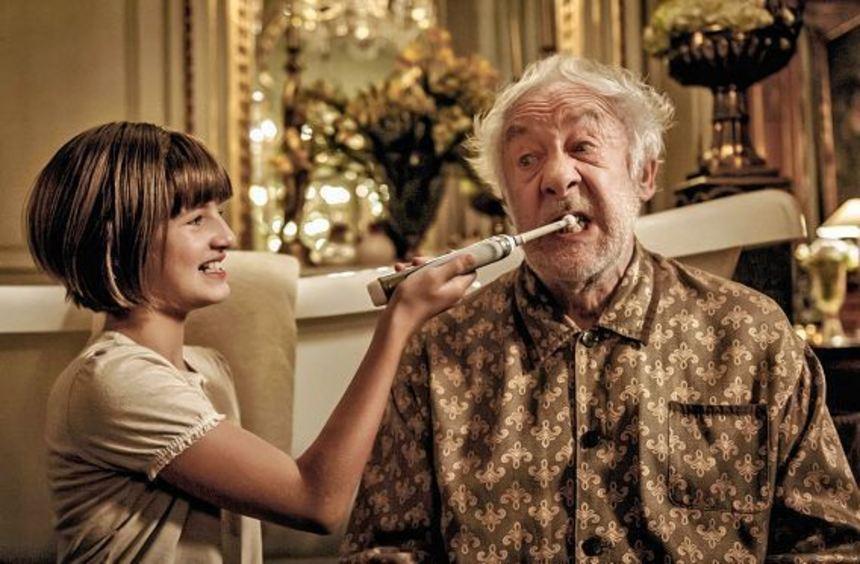 Tilda entführt ihren an Alzheimer erkrankten Opa und unternimmt mit ihm eine Reise nach Venedig. ...
