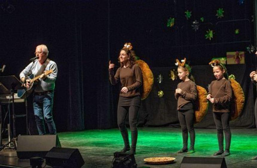 Mit seinem aktuellen Programm war Kinderliedermacher Michael Suljic mit seinen Freunden im ...