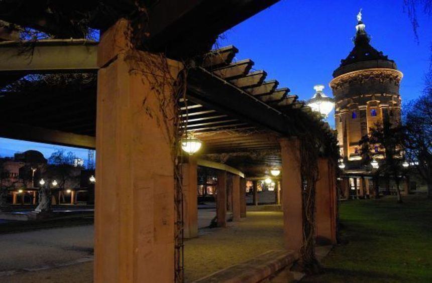 Vergewaltigung mitten in der Stadt: Der Täter drängte sein Opfer in einen der Laubengänge auf der ...
