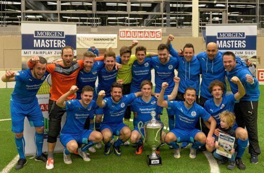 So sehen Sieger aus: Ohne Verlustpunkt gewann Fortuna Heddesheim die Vorrunde und gab sich bis ins ...