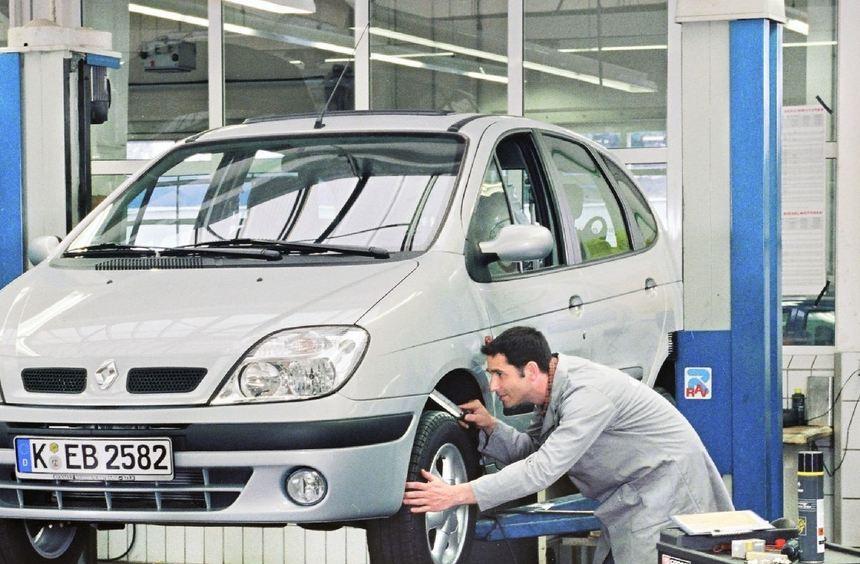 Garantiearbeiten an Autos müssen am Wohnsitz des Käufers erbracht werden