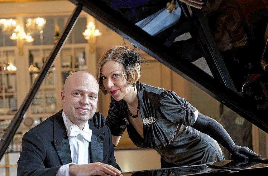 Tatjana Sieber und Stephan Grumbach nehmen ihre Zuhörer mit auf eine musikalische Zeitreise.
