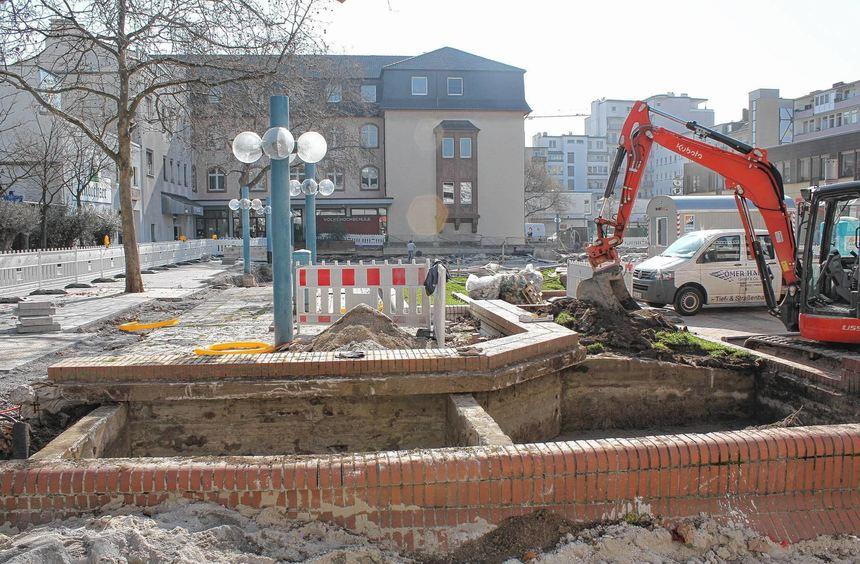Die Umgestaltung des Bürgerhofs ist in vollem Gange - spätestens im September soll alles fertig ...