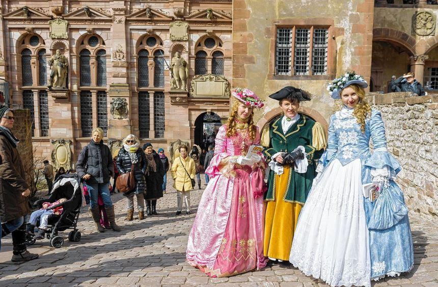Kostümführungen sollen auch in der kommenden Saison die Touristen auf das Heidelberger Schloss ...