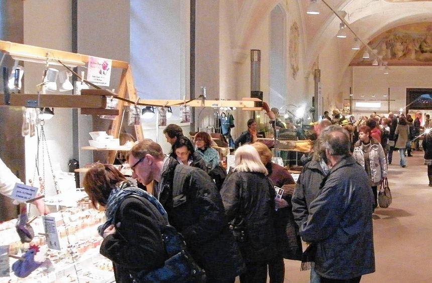 Das Kloster Bronnbach bietet das passende Ambiente für den Kunsthandwerkermarkt unter dem Motto ...