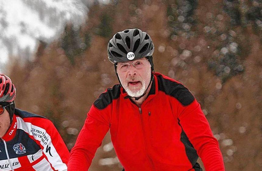 Auf einer schwierigen Mountainbikestrecke gab es im Schnee viele Stürze. Der Odenwälder Dr. Steffen ...