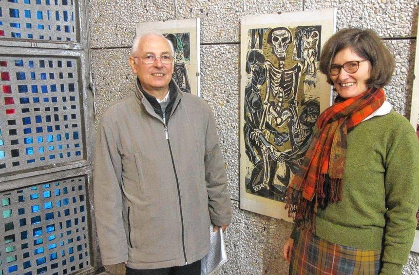 Herbert Kempf und Pfarrerin Dorothee Löhr eröffneten die Ausstellung Totentanz, die noch bis zum ...