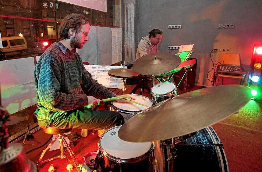 """In der Reihe """"Jazz im Busch"""" überzeugen Oliver Maas (Piano) und Daniel Prätzlich (Drums) ihr ..."""