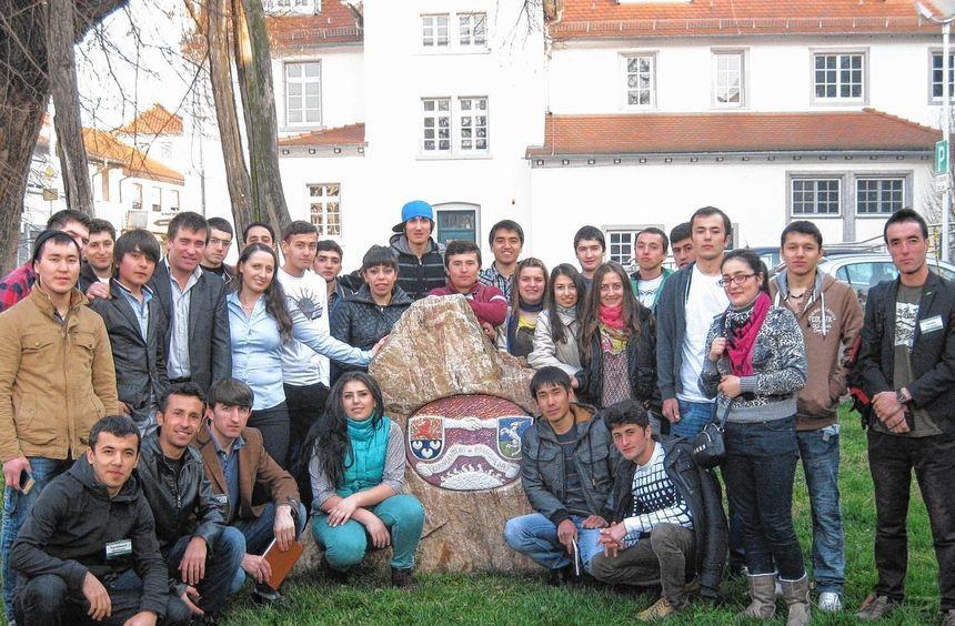 28 Studenten aus Armenien, Georgien, Kasachstan und Tadschikistan nahmen in der Zwingenberger ...