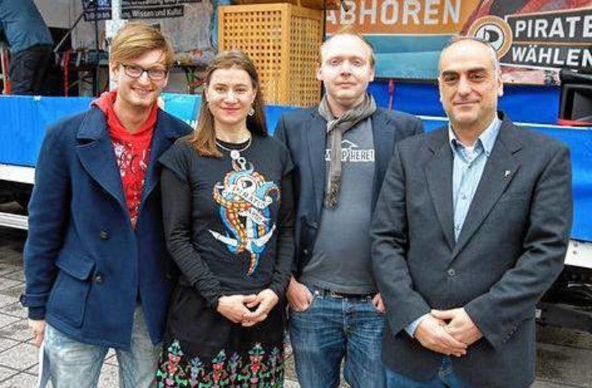 Stevan Cirkovic, Anke Domscheit-Berg, Heinz Zell, Fotios Amanatides (v.l).