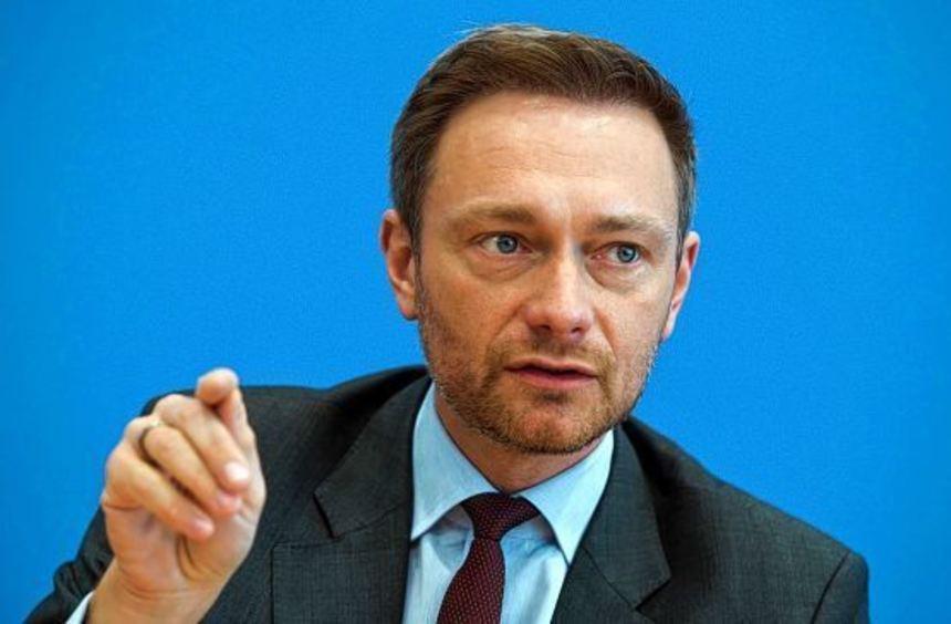 Der FDP-Vorsitzende Christian Lindner dieser Tage bei einer Pressekonferenz in Düsseldorf, wo er ...