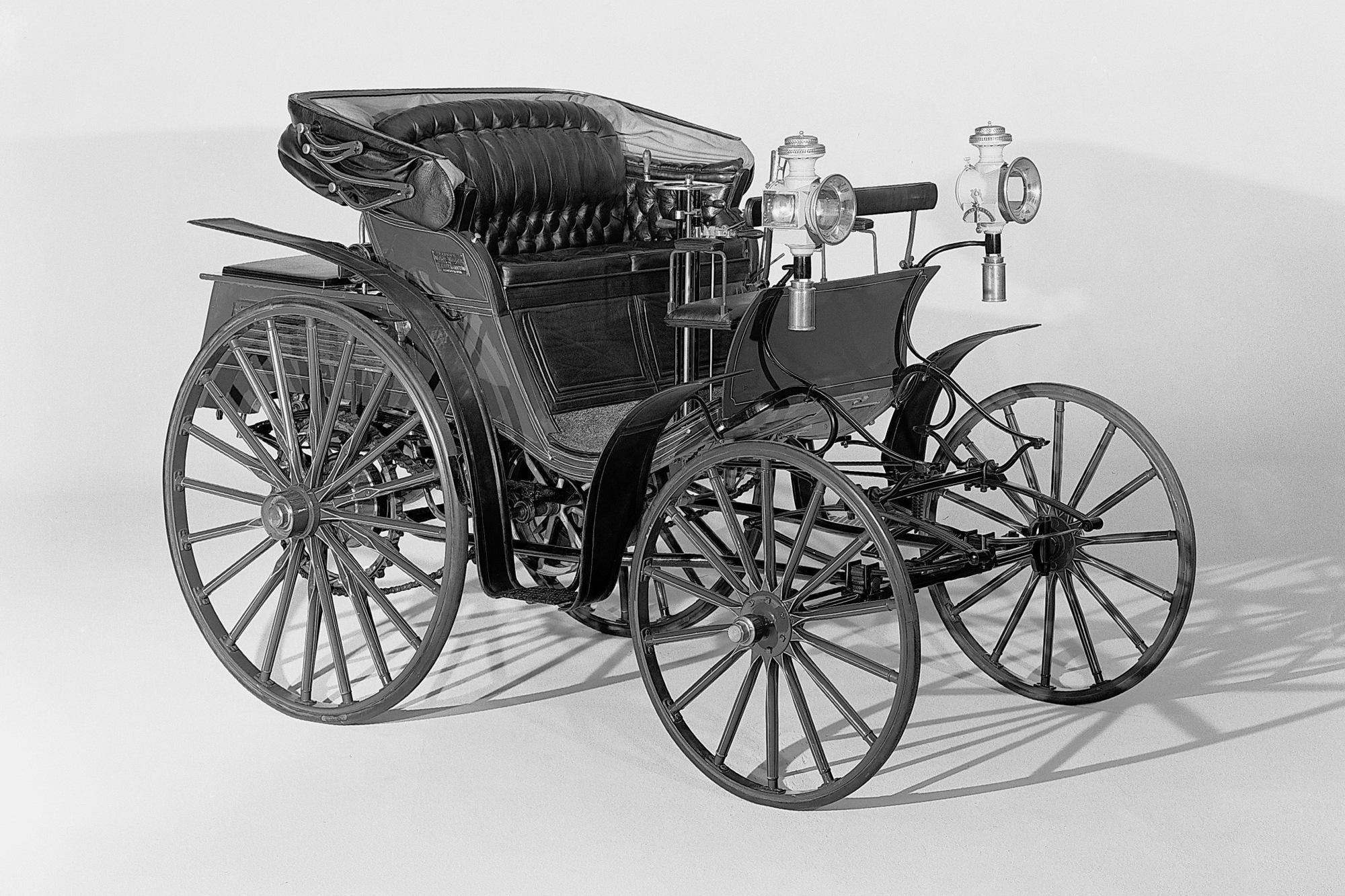 Benz Victoria Vis a Vis mit Kutschenlicht 1893