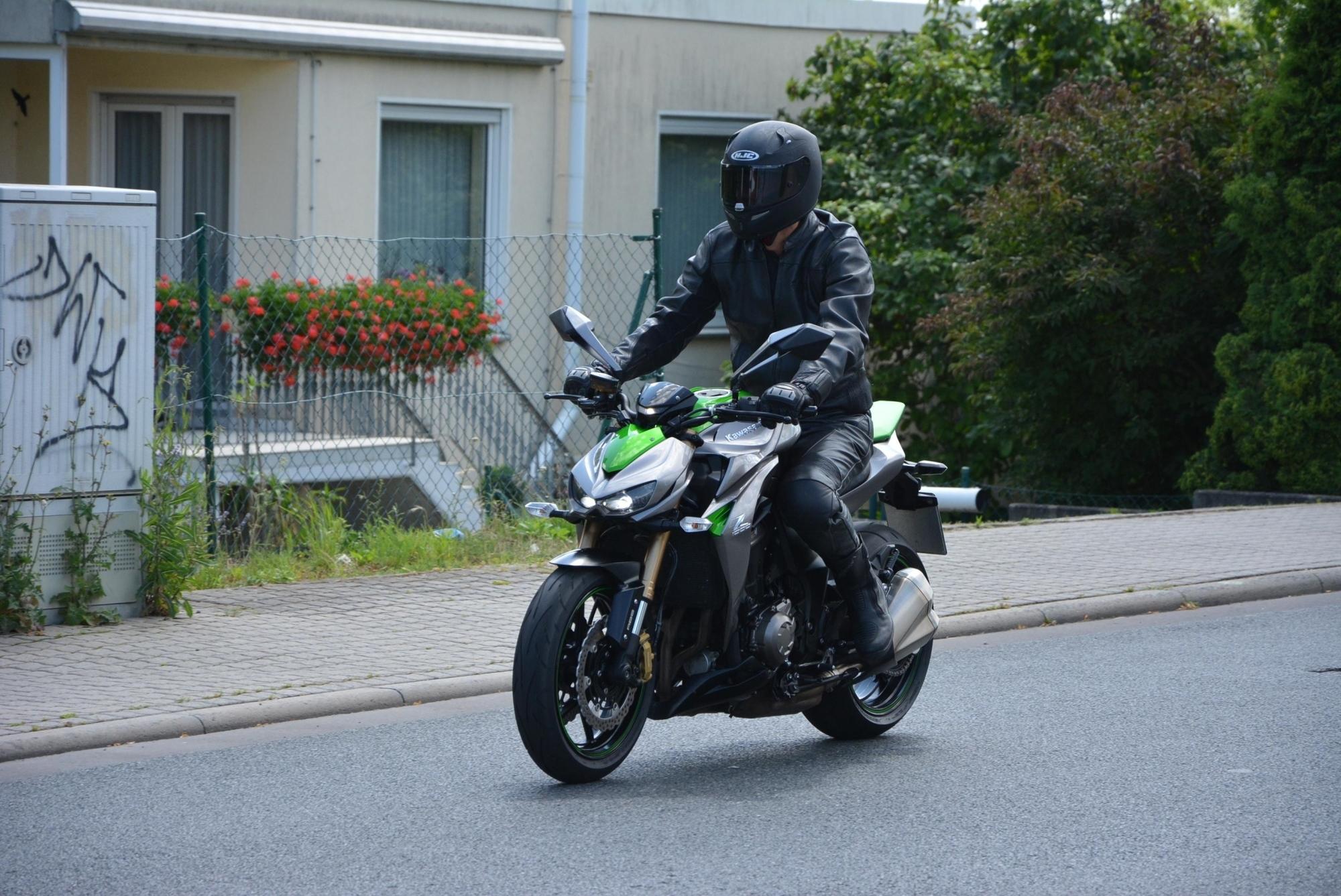 Test: Kawasaki Z 1000 Special Edition - Böser Blick, gute Manieren