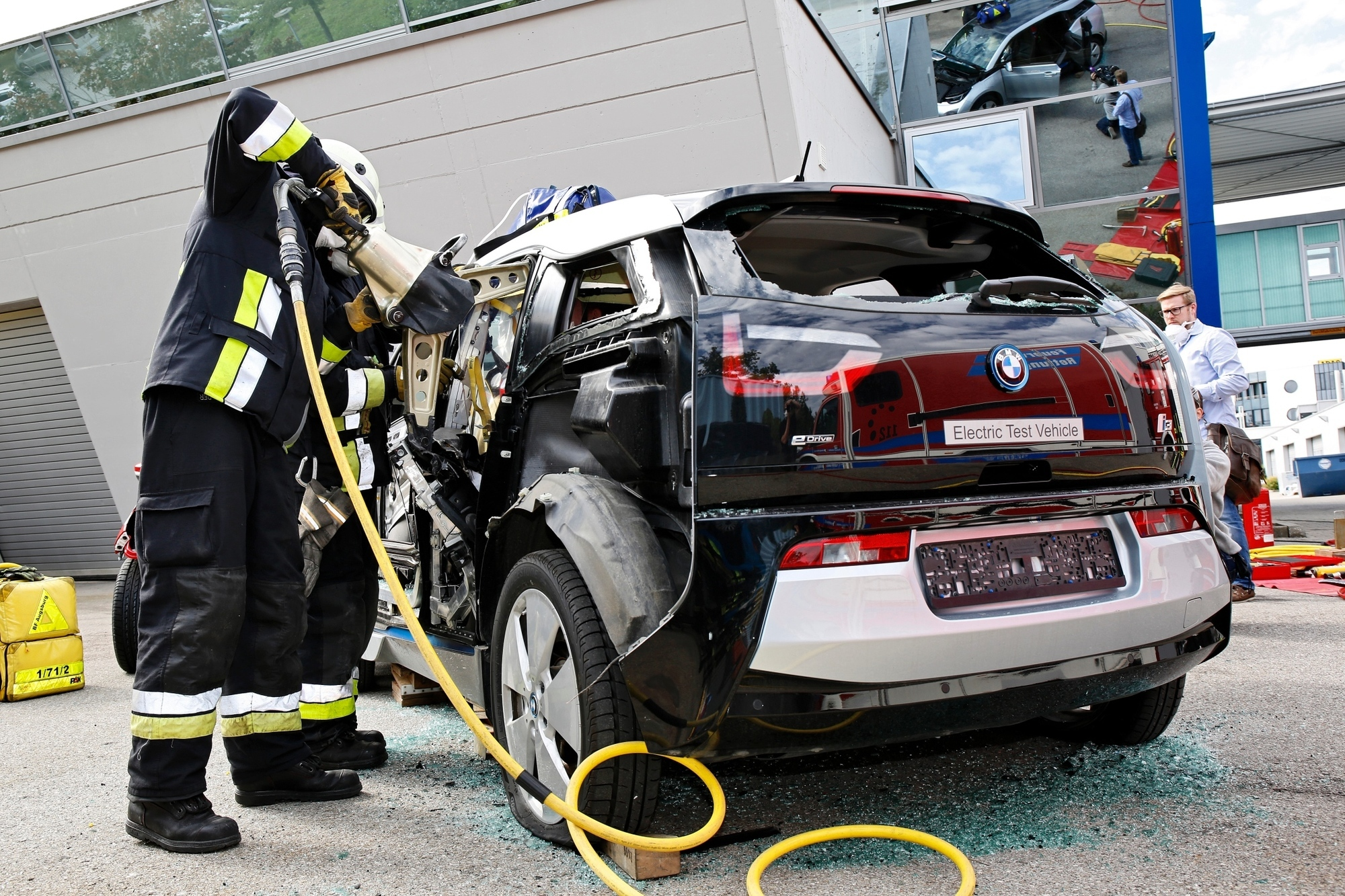 Rettung aus einem Carbon-Fahrzeug - Gesplitterte Erkenntnisse
