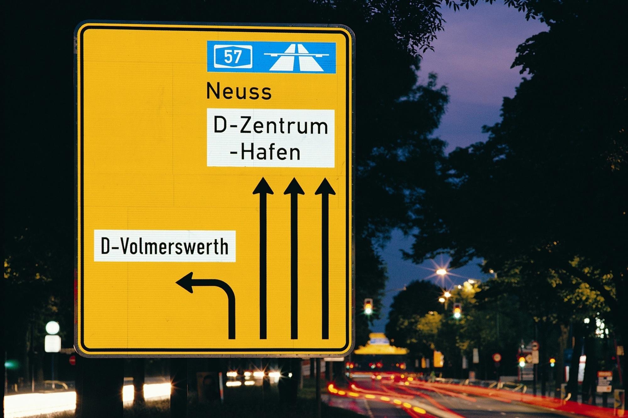 75 Jahre reflektierende Verkehrsschilder - Ende der blinden Regelbefolgung