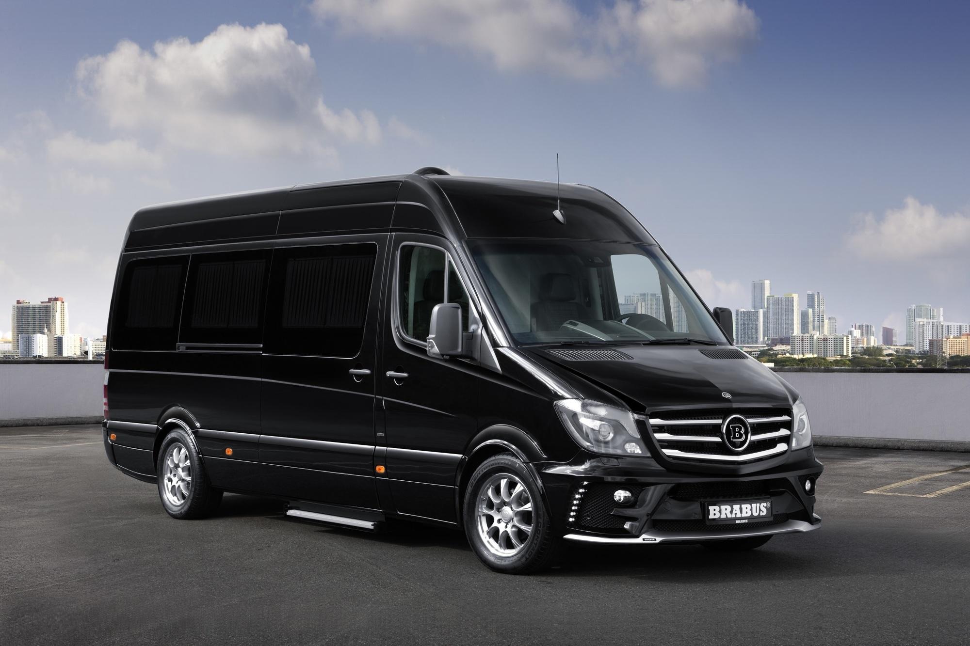 Mercedes Sprinter als Brabus Business Lounge - Schickes Büro auf Rädern