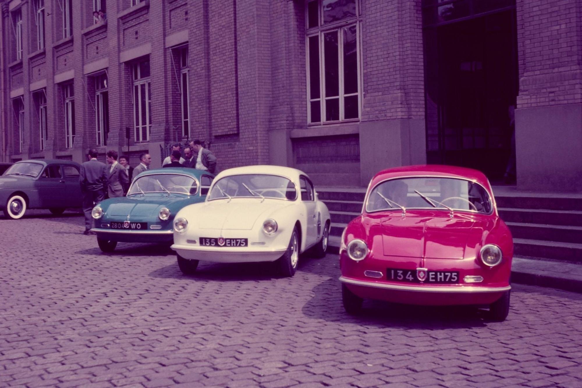 Tradition: 75 Jahre Autos mit Kunststoffkarosserien - Der Stoff aus dem die leichten Träume sind