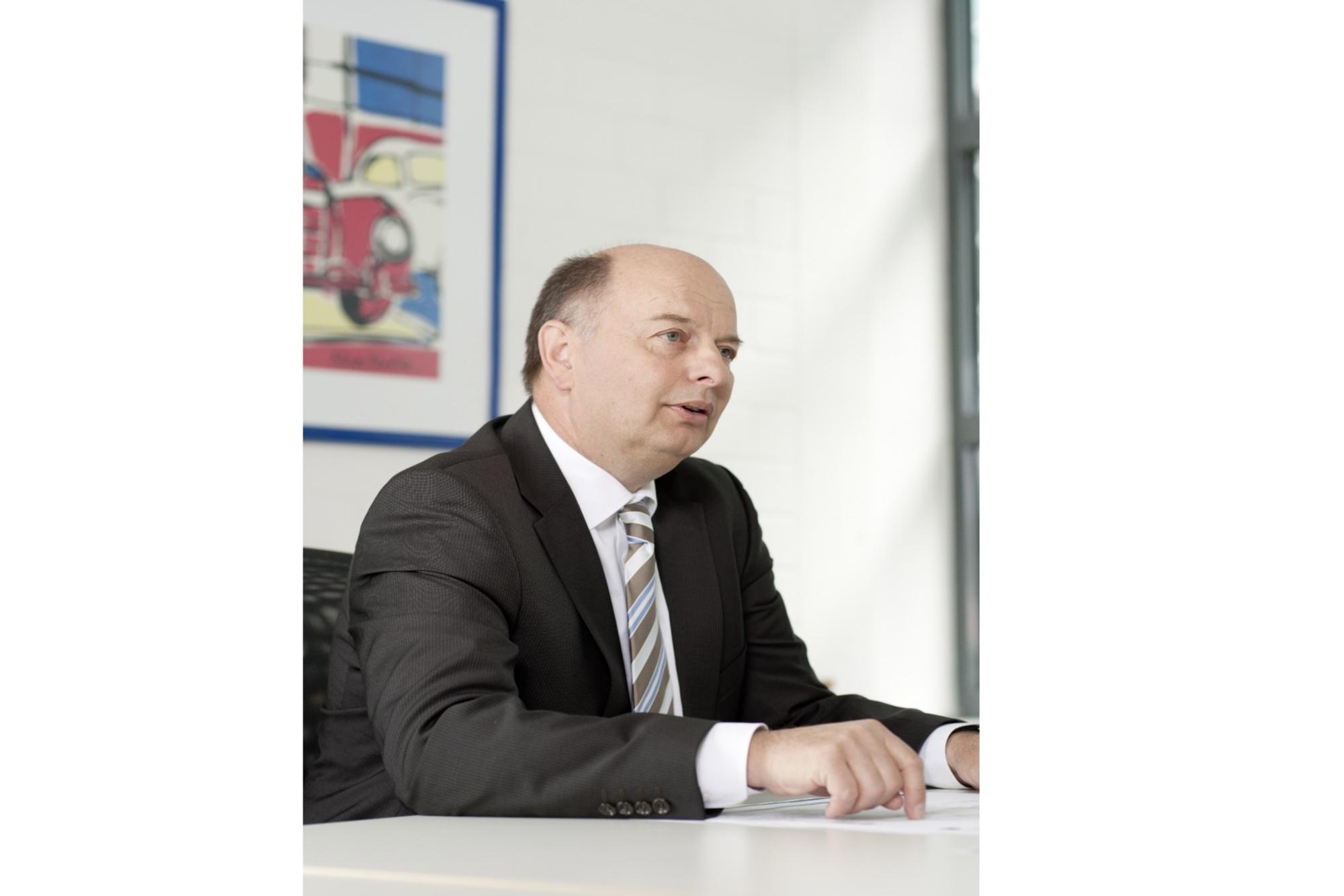 """Drei Fragen an: Dr. Uwe Ernstberger, Mercedes Benz, Leiter große Baureihen - """"Plug-in-Modelle von Mercedes müssen auf allen Straßen fahren"""""""
