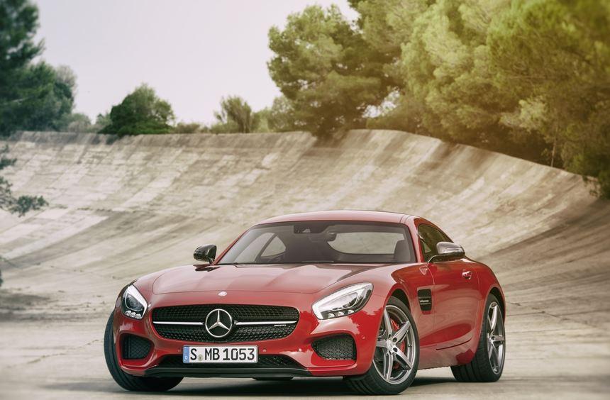 Mercedes-AMG präsentiert als Messepremiere seine zweite komplette Eigenentwicklung. Nach dem ...