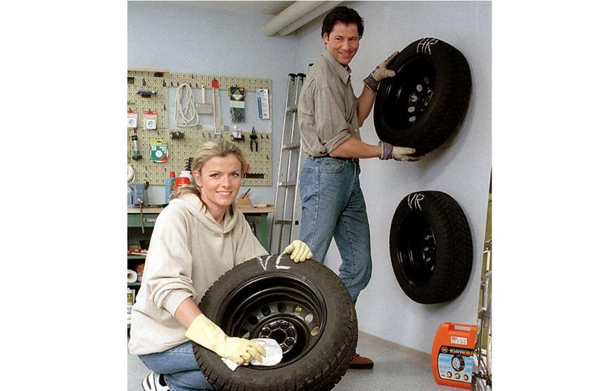 Autofahrer sollten ihre Reifen jetzt nicht nur rechtzeitig wechseln, sondern auch richtig lagern.