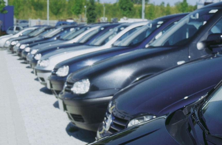 Nicht nur Gebrauchtwagenkäufer sollten gut informiert sein, sondern auch die privaten Verkäufer.