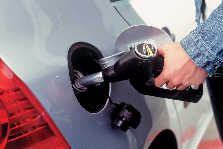Kraftstoffpreis-Schwankungen - Sprit abends bis zu acht Cent günstiger