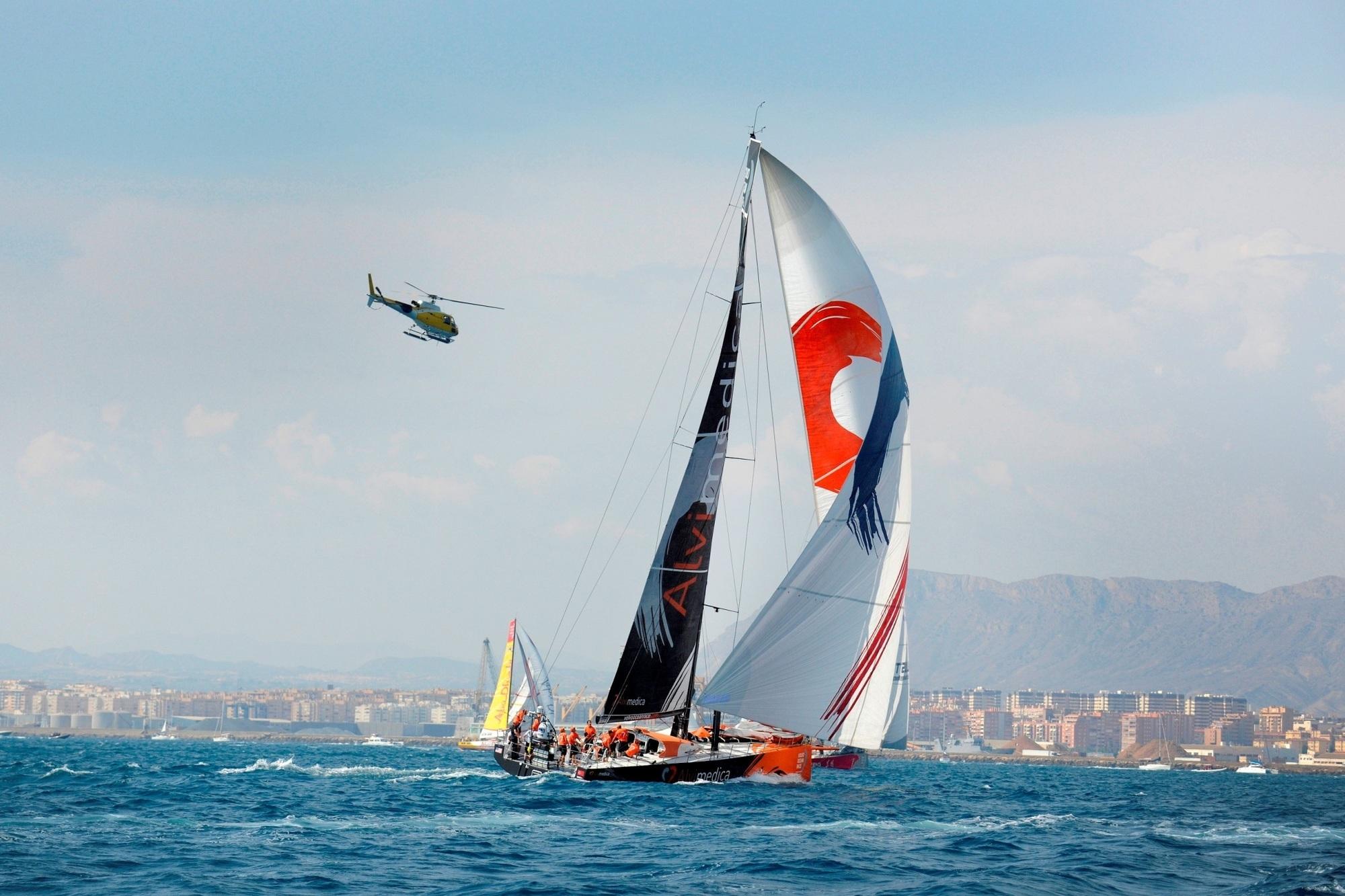 Panorama: Volvo Ocean Race - Imageaufbau unter Segeln