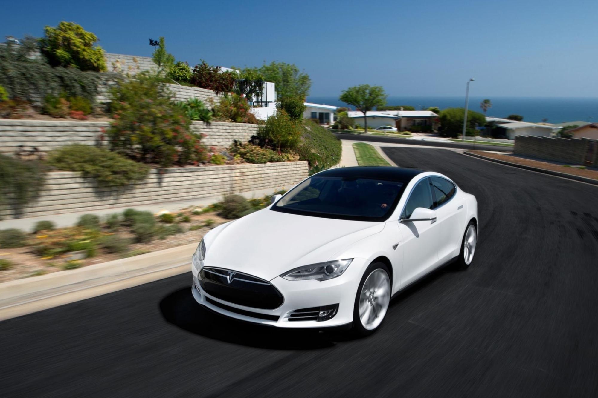 Daimler steigt bei Tesla aus - Zusammenarbeit ja, Finanzbeteiligung nein