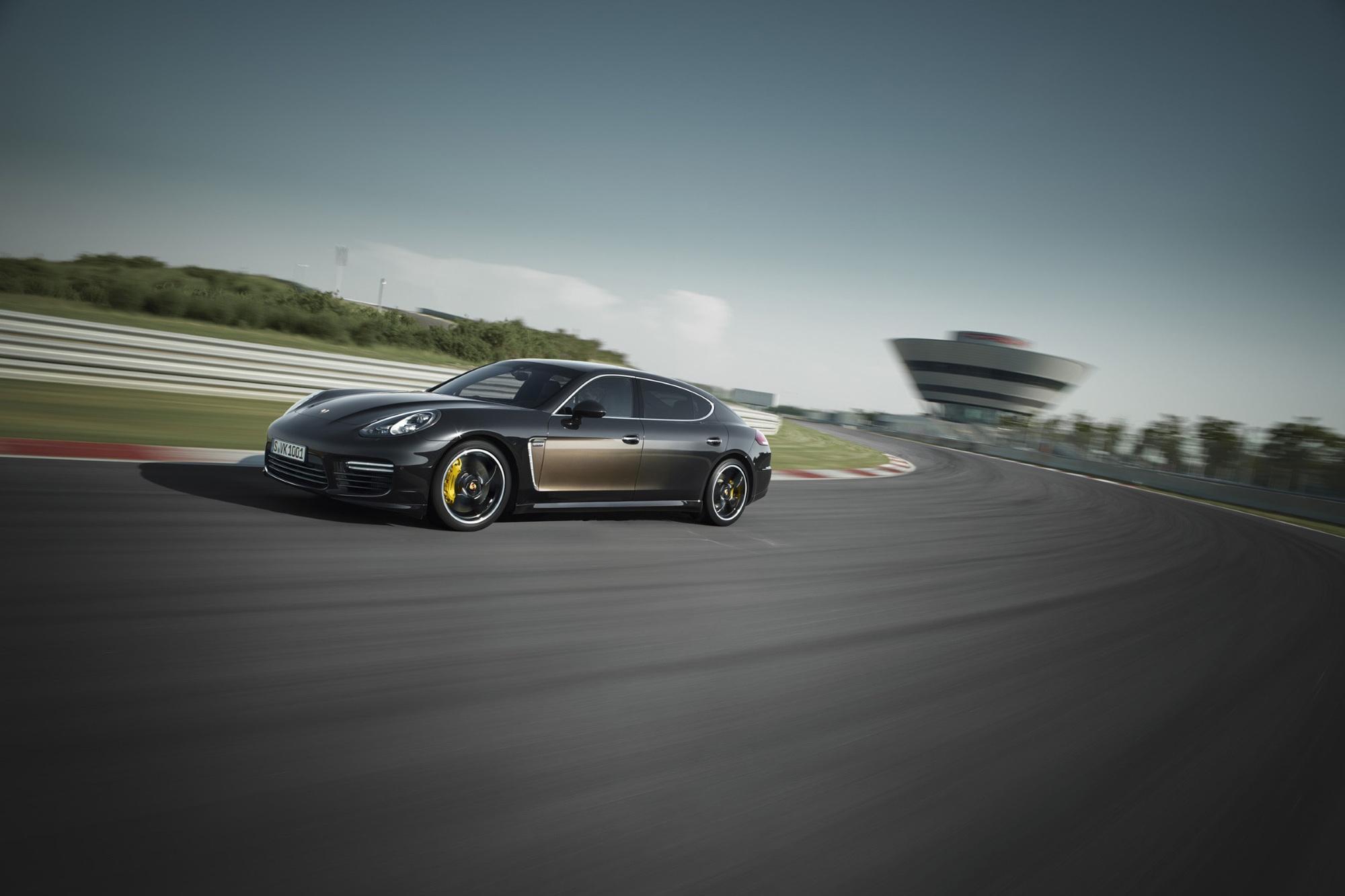 Porsche Panamera Exclusive Series  - Luxus mit Wisch-Effekt