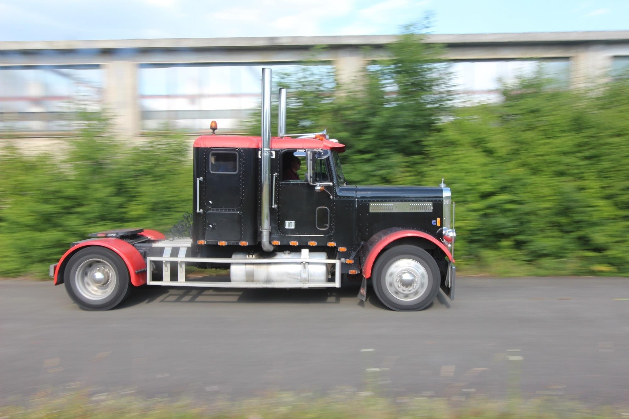 Panorama: Trucker für einen Tag - Heute ein König