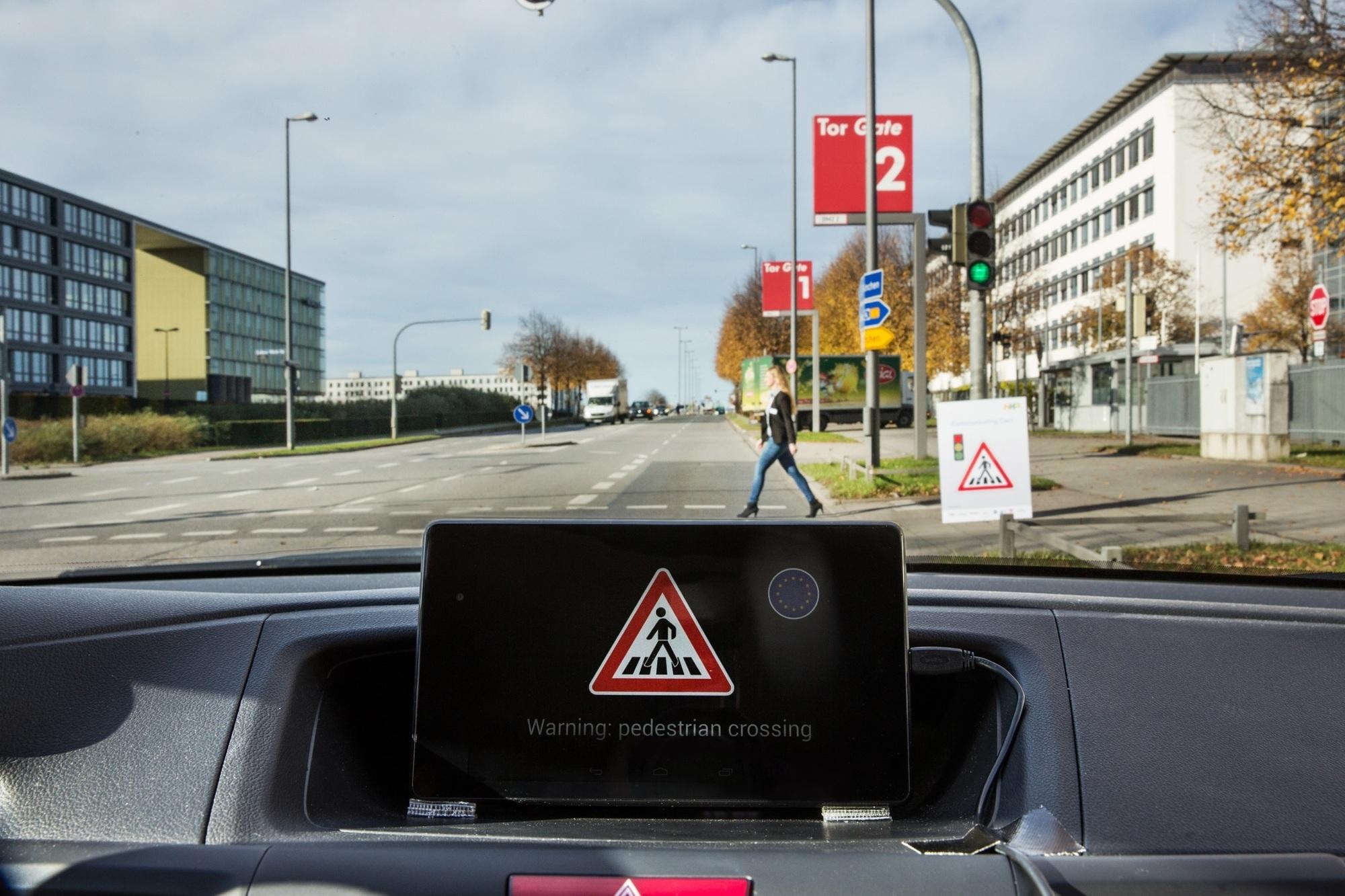 Kommunizierende Autos - Sprecht miteinander!