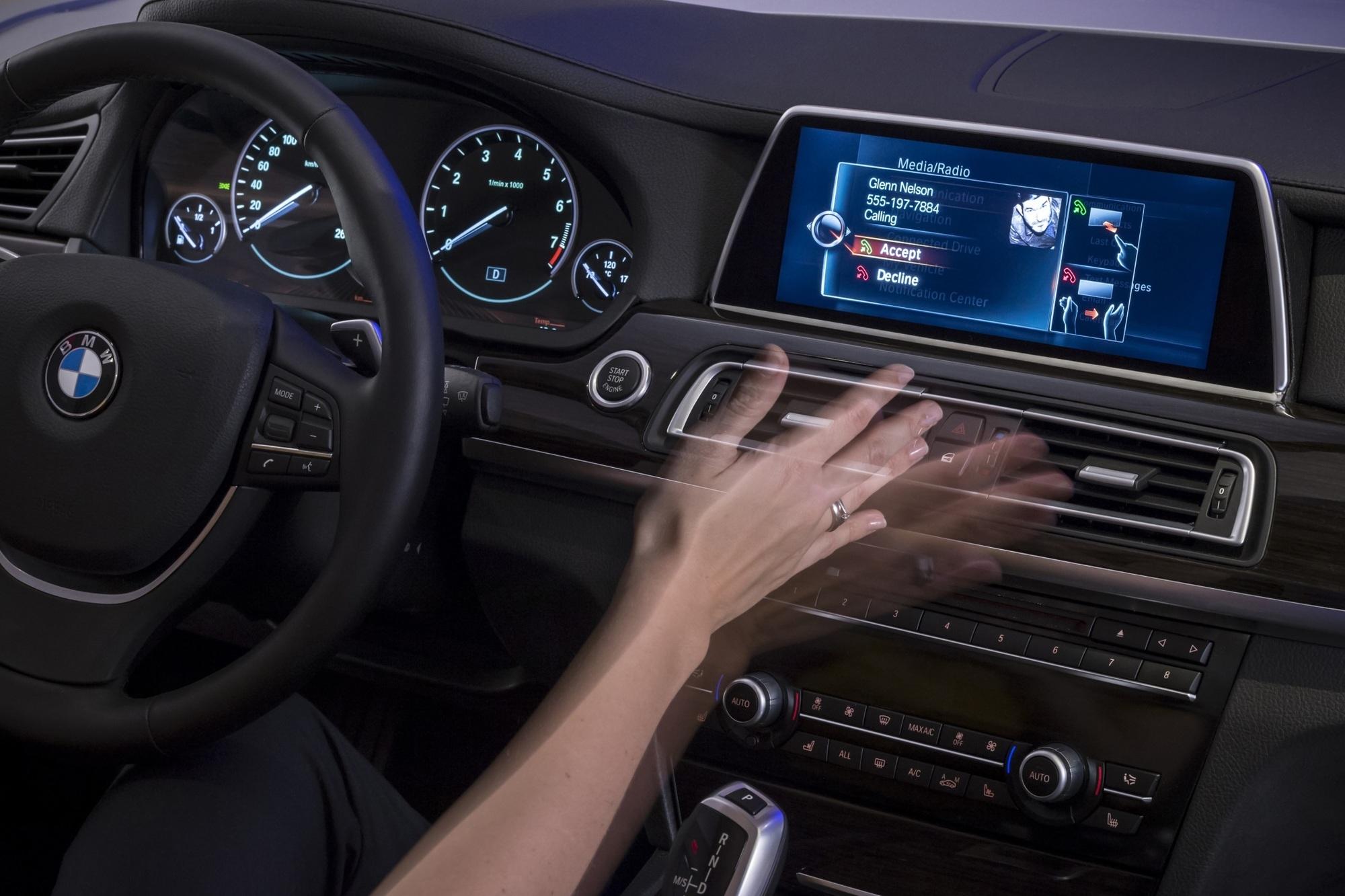 BMW setzt auf Gestensteuerung und Touchscreens - Wisch-Tipp statt Dreh-Drück