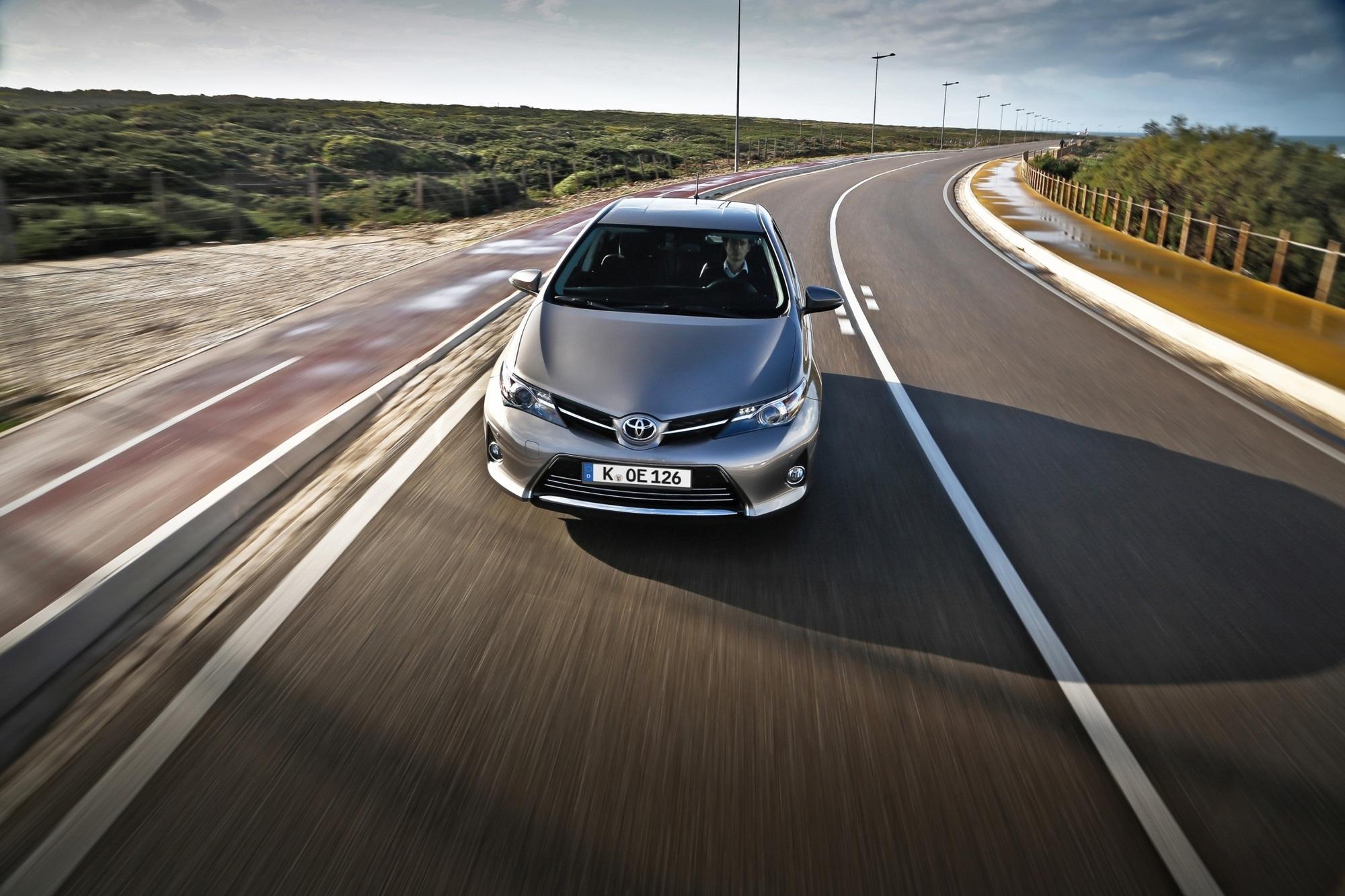 Test: Toyota Auris 2.0 D-4D - Fast schon ein Statement