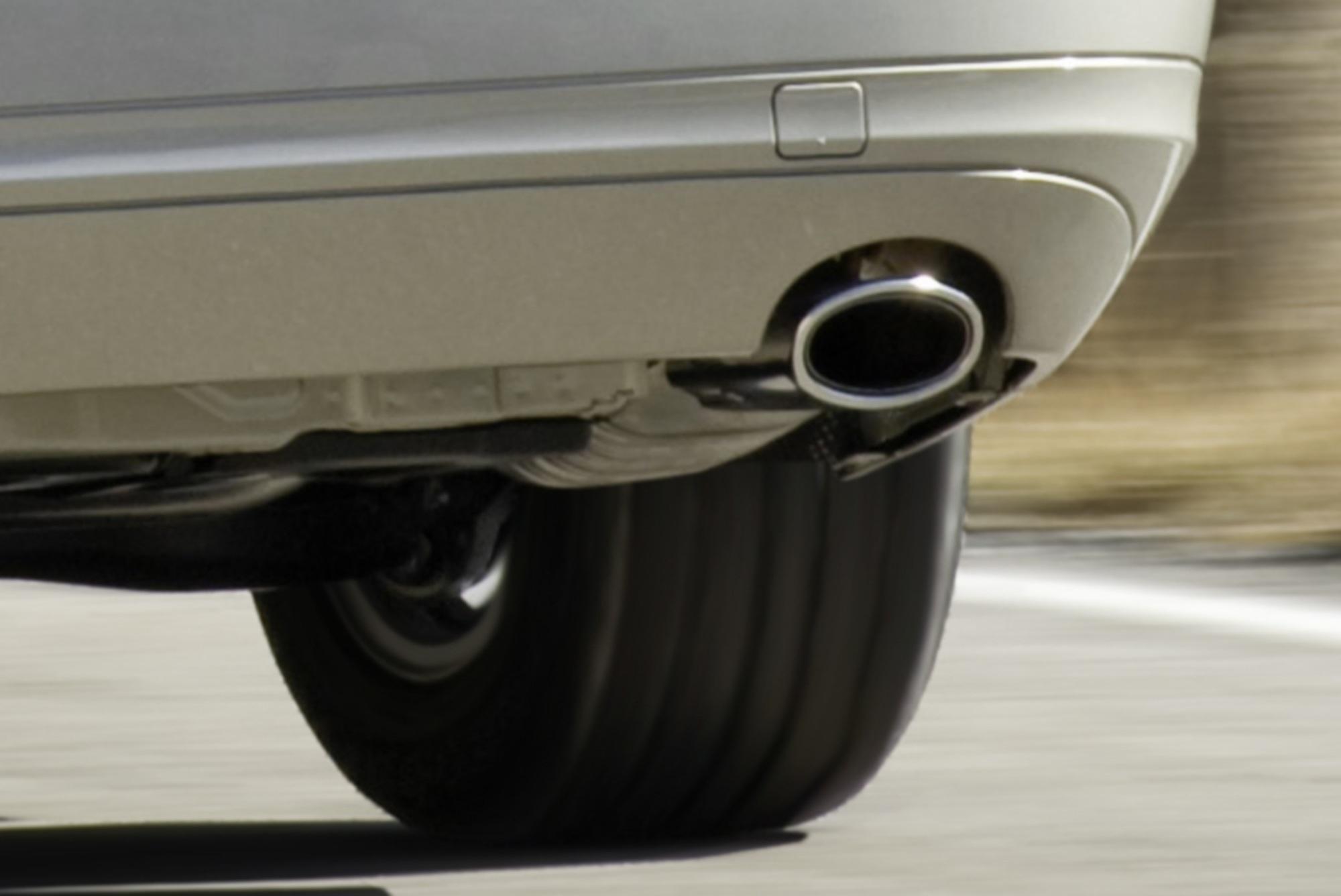 CO2-Bilanz der Autohersteller 2014 - Niedrige Spritpreise bremsen sparsame Autos aus