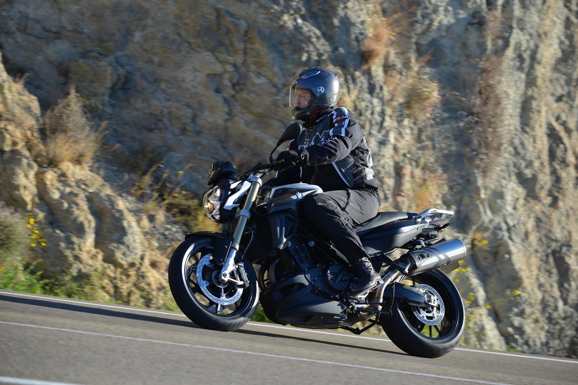 Fahrbericht BMW F 800 R Modelljahr 2015: - Für kleine und große Biker
