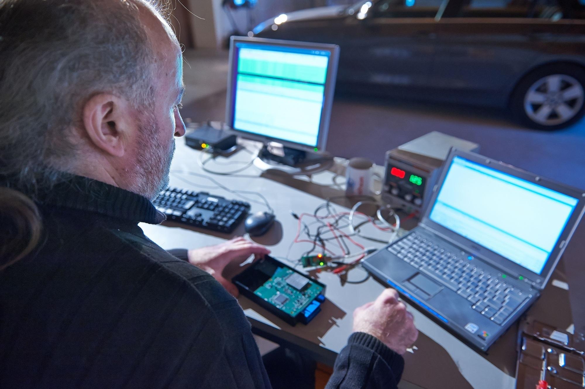 Sicherheitslücke bei BMW-Modellen - Diebe können Auto per Mobilfunk öffnen