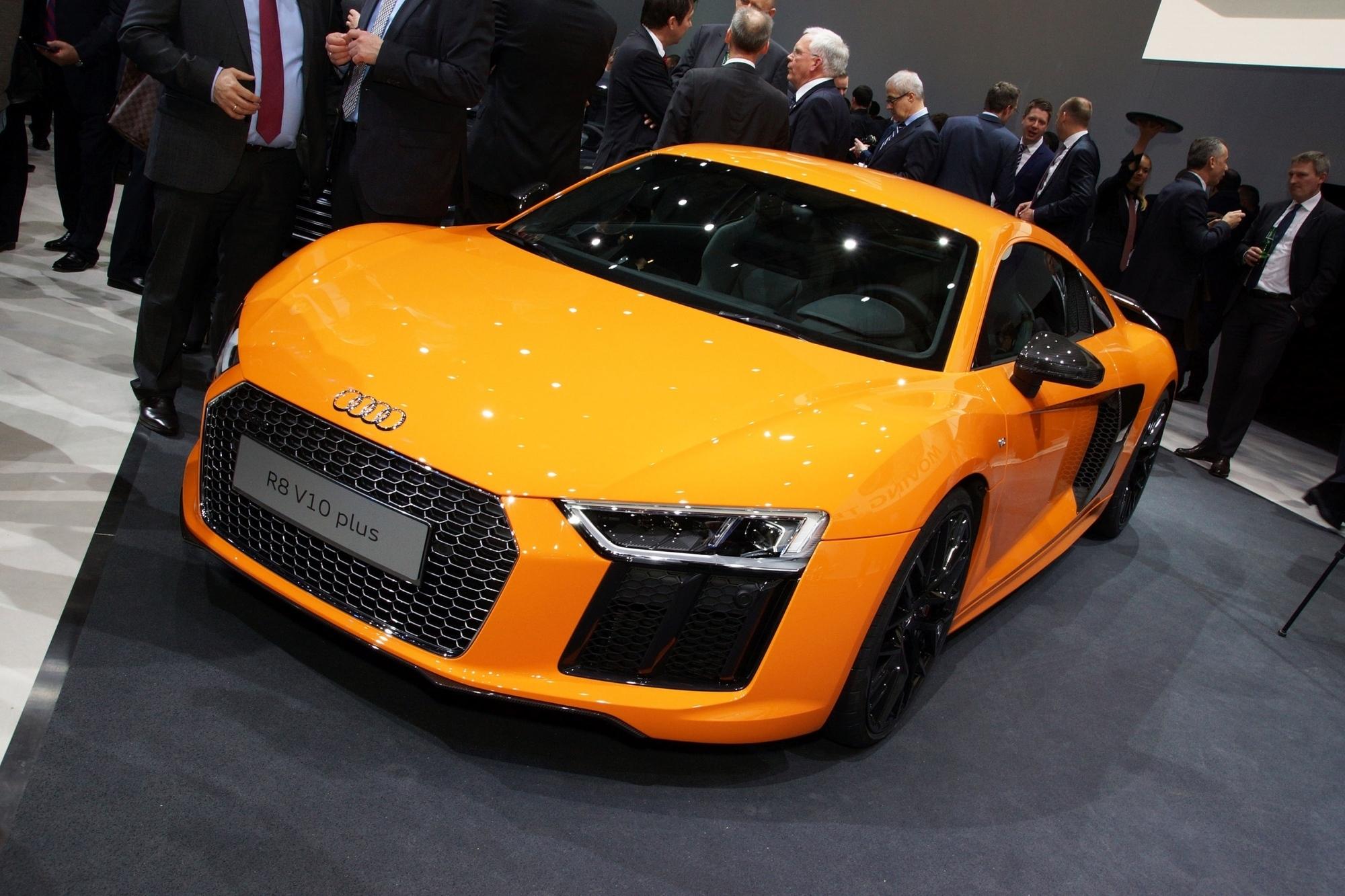 Sportwagen auf dem Genfer Automobilsalon - Power to play