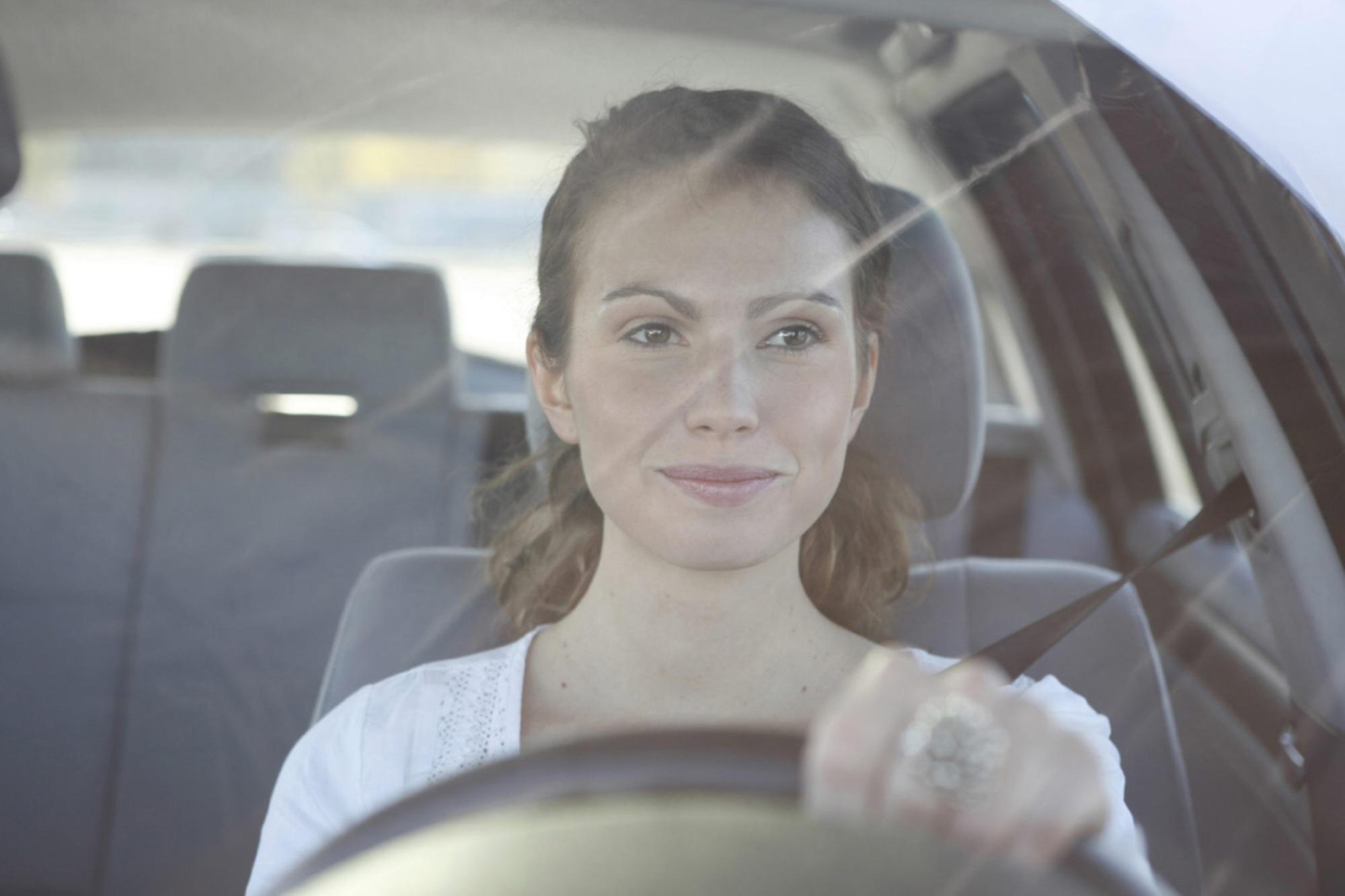 Jahresfahrleistung der Deutschen - Frauen fahren immer mehr