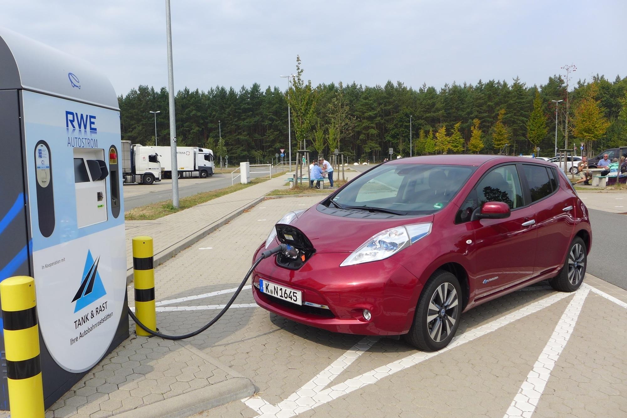 Elektroauto-Nutzung - Externe Anreize entfalten kaum Wirkung
