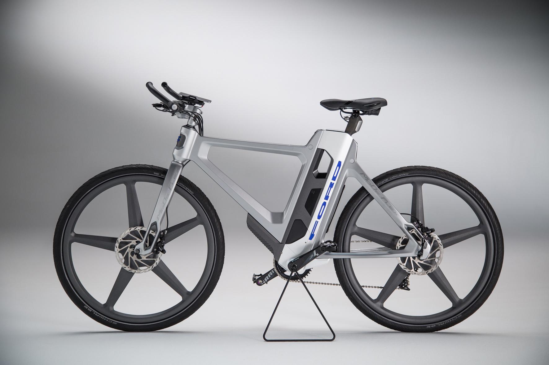 mid Düsseldorf - Intelligentes E-Bike: Das MoDeFlex von Ford registriert über eine App, wenn der Fahrer ins Schwitzen kommt und passt die Trittunterstützung entsprechend an.