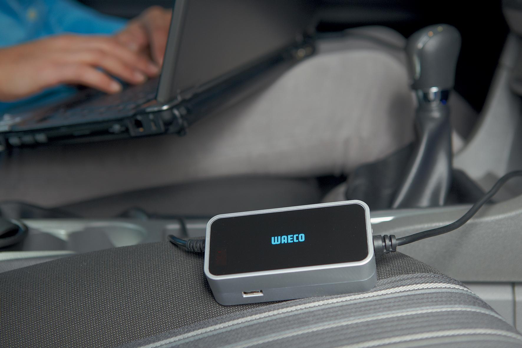 mid Düsseldorf - Praktisches Ladegerät für unterwegs: Der Pocket Power Laptop Charger von Waeco frischt die Akkus mobiler Endgeräte über die 12-Volt-Buchse im Auto oder Wohnmobil auf.