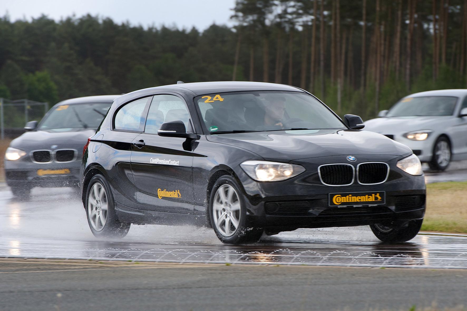 mid Hannover - Mit modernen Pkw-Reifen kommen Autos heute bis zu 20 Prozent früher zum Stehen als noch vor 15 Jahren.
