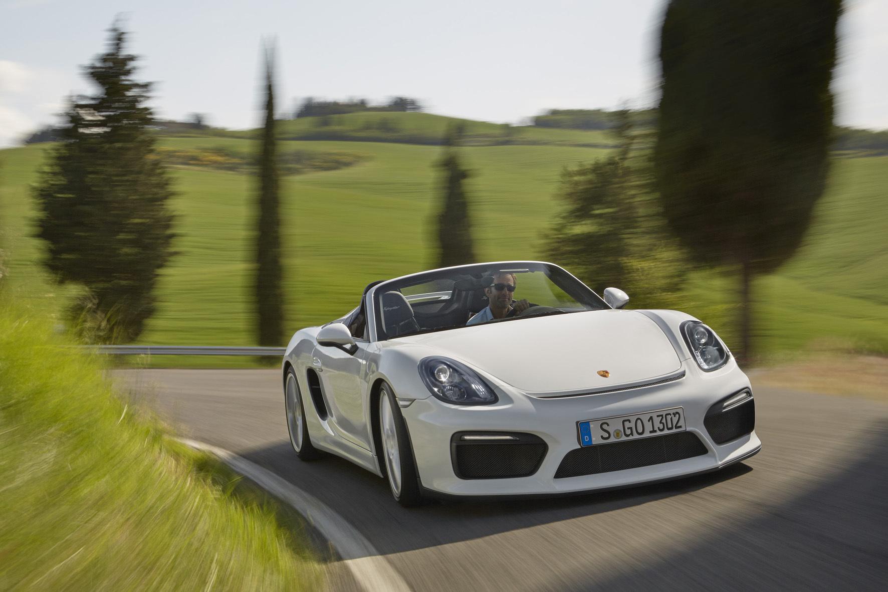 mid Düsseldorf - Der jüngste Spross der Sportwagen-Familie von Porsche ist der Boxster Spyder.