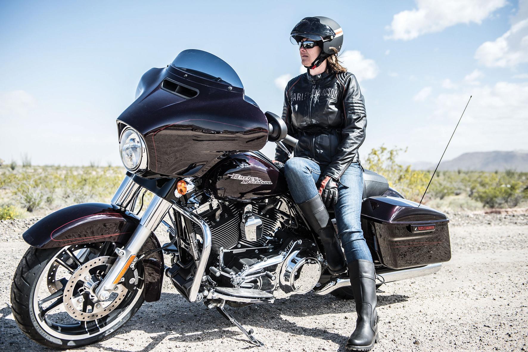 mid Düsseldorf - Fast die Hälfte der nach Deutschland importierten schweren Motorräder stammt aus den USA.