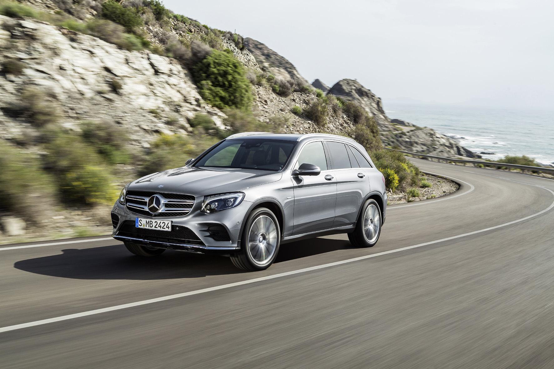 mid Straßburg - SUV auf die elegante Art: Der neue Mercedes-Benz GLC auf Basis der C-Klasse startet im September.