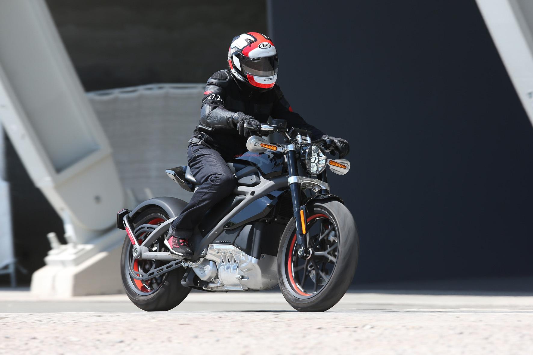 mid Düsseldorf - Mit der LifeWire präsentiert Harley-Davidson nun sein erstes Elektro-Modell.