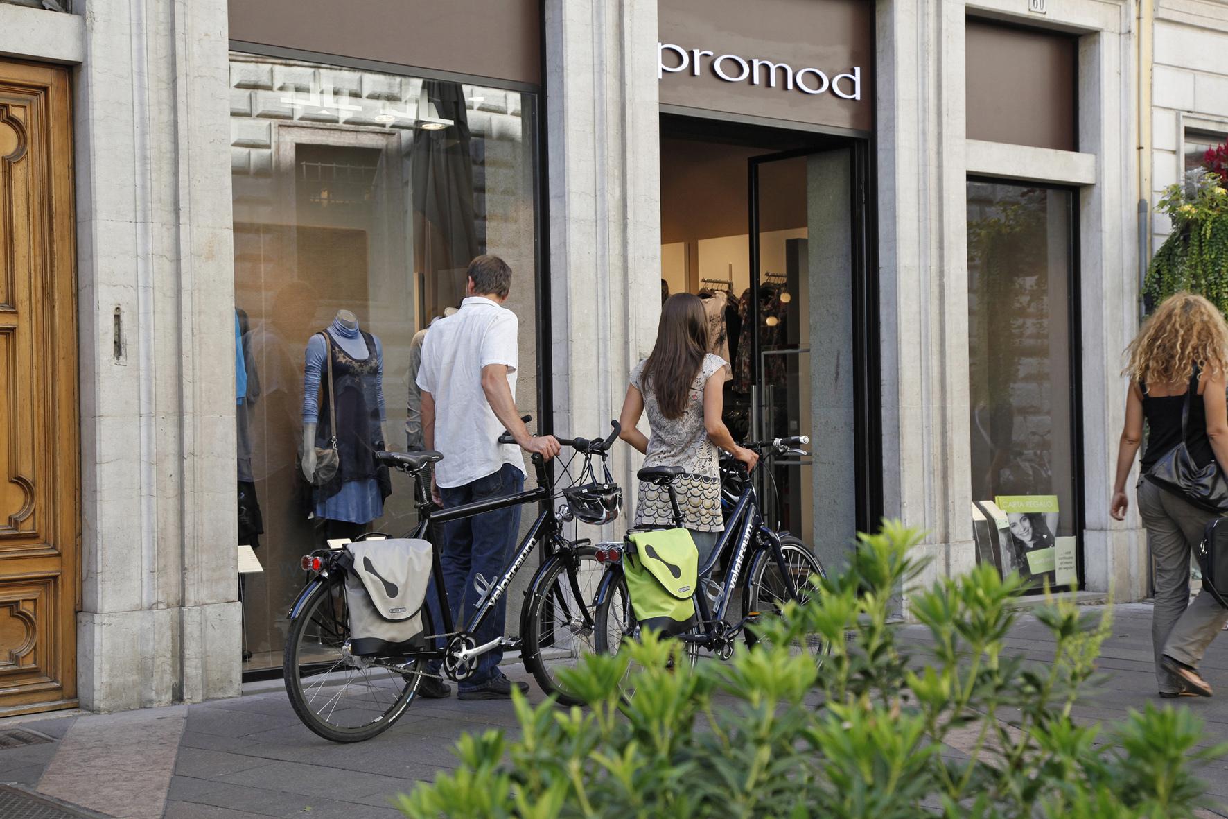 mid Düsseldorf - Rund die Hälfte aller deutschen Fahrrad-Besitzer nutzen ihr Velo für Shopping-Touren.