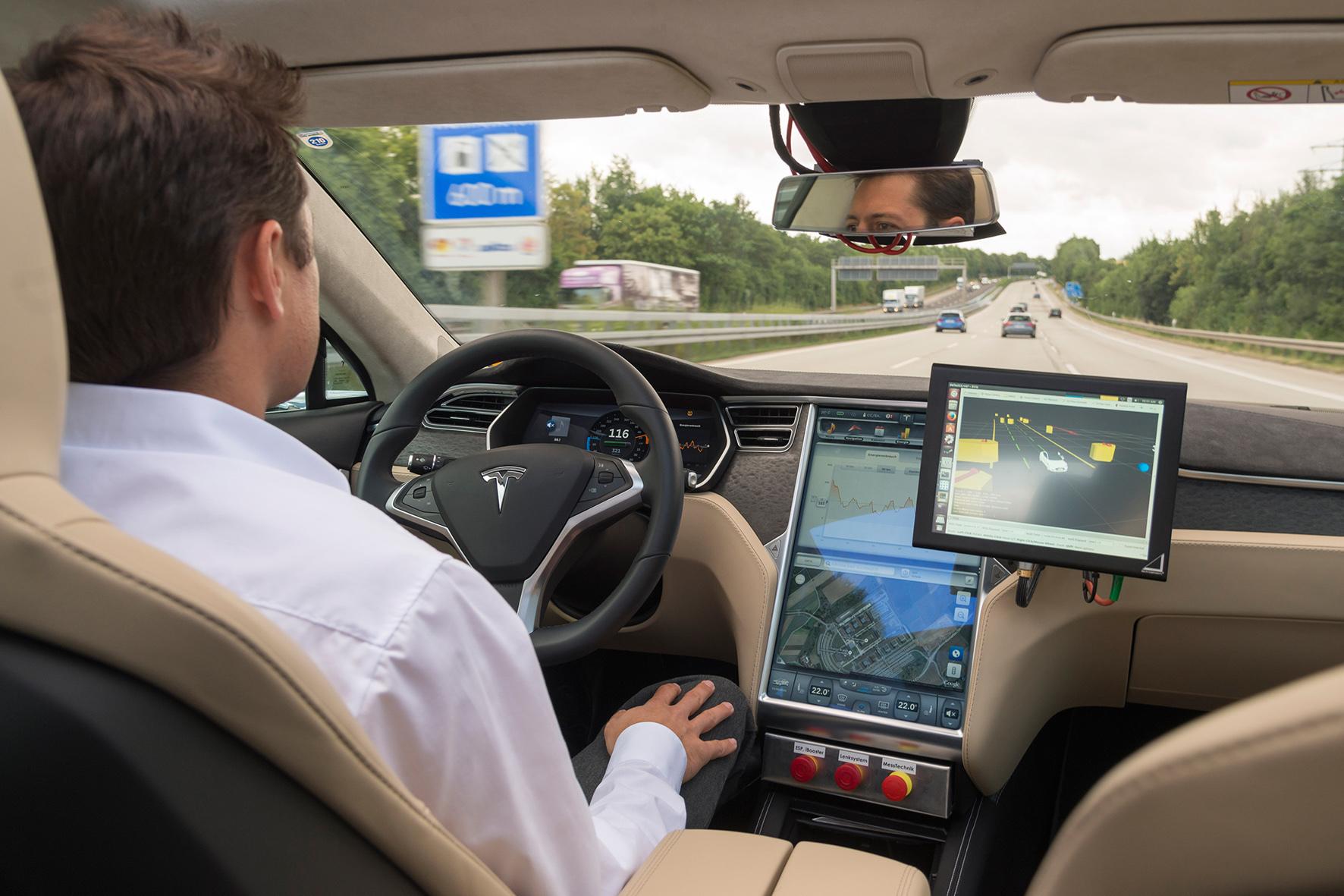 mid Düsseldorf - Erprobung des automatisierten Fahrens im öffentlichen Straßenverkehr.
