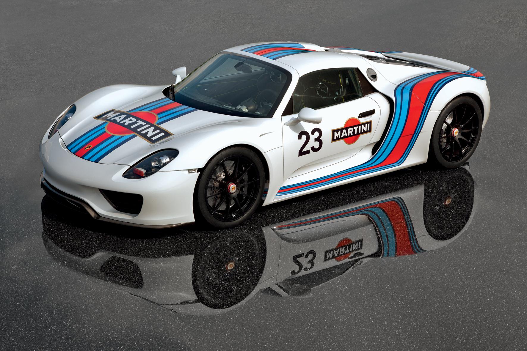 mid Düsseldorf - Technologieträger und bereits heute die Rolle als automobiler Klassiker reserviert: der Porsche 918 Spyder.